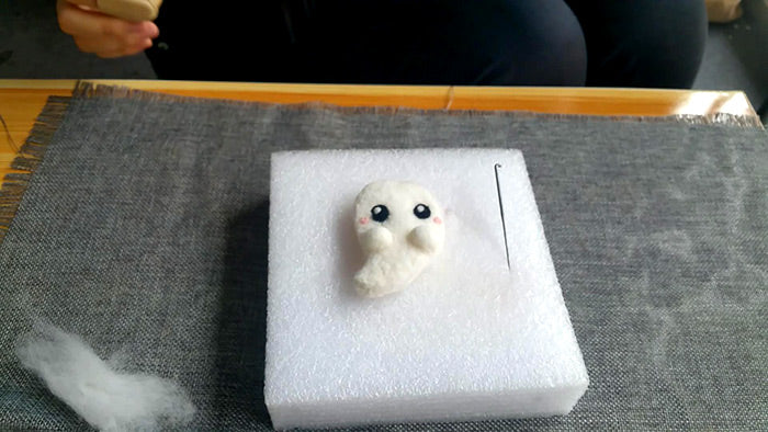 needle felt tutorials for beginners --How to make needle felted wool halloween-ghost