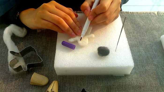 needle felt tutorials for beginners --How to make needle felted Halloween ghost