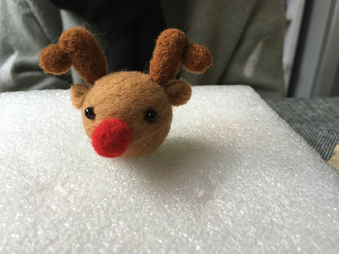 needle felt tutorials for beginners --How to make needle felted cute Christmas reindeer