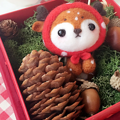 Handmade needle felted felting cute animal project deer felted doll toy gift box