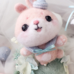 Handmade needle felted felting cute animal toy project bear bunny gift box