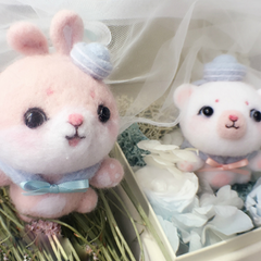 Handmade needle felted felting cute animal project bear bunny gift box