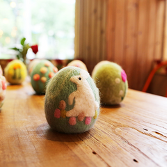 Handmade needle felted felting project cute easter egg handcraft felted decoration