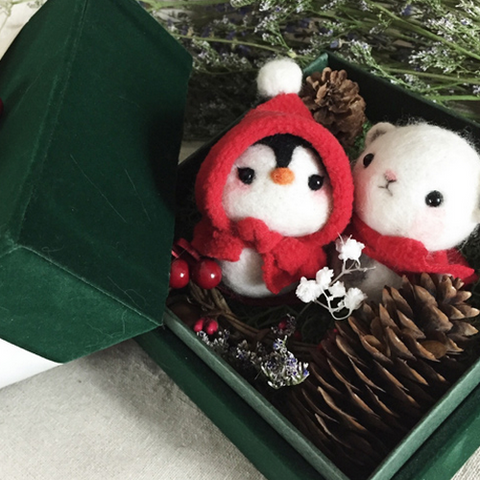 Handmade needle felted felting cute animal project felt doll gift box