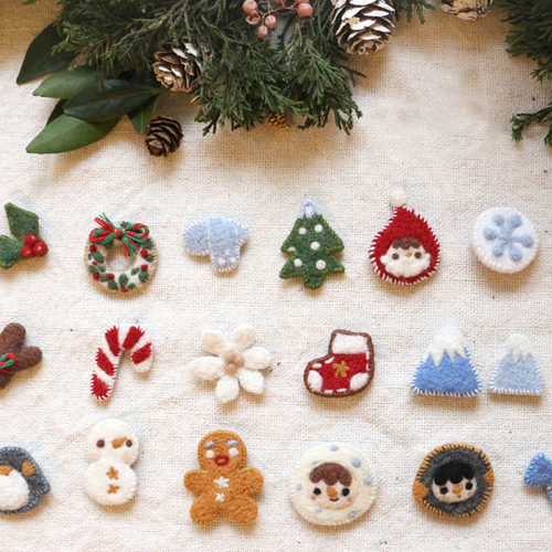 Handmade needle felted felting cute project Christmas brooches accessories