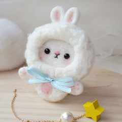 Handmade needle felted felting cute animal project bear bunny brooth necklace