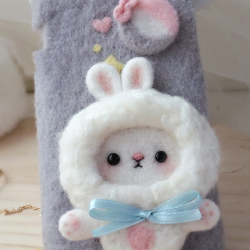 Handmade needle felted felting cute animal project bear bunny iphone case