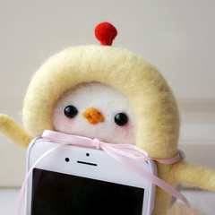 Handmade needle felted felting cute animal project chicken iphone case