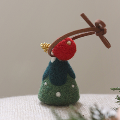 Handmade needle felted felting cute project Christmas tree keycharm accessories