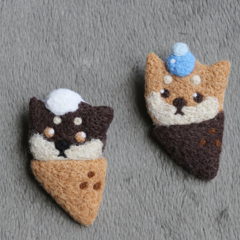 Handmade needle felted felting cute animal project dog ice cream brooch accessories