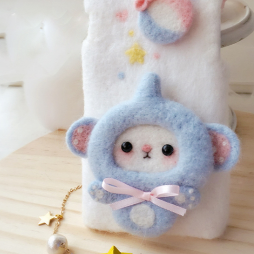 Handmade needle felted felting cute animal project elephant iphone case