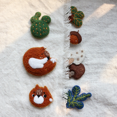 Handmade needle felted felting cute animal project woods fox brooch accessories