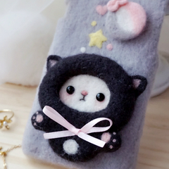 Handmade needle felted felting cute animal project panda iphone case