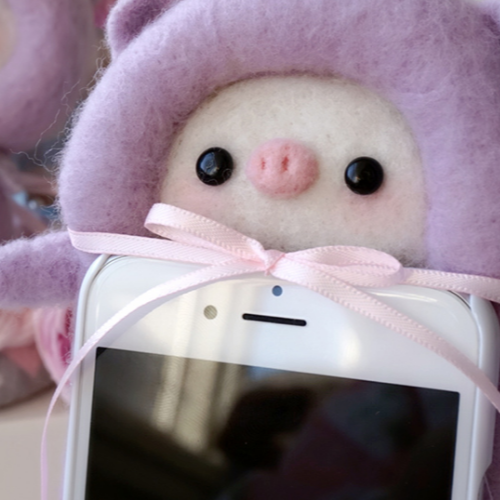 Handmade needle felted felting cute animal project pig iphone case