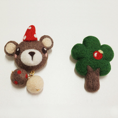 Needle Felted Felting Animals Bear tree Cute Craft brooch accessories