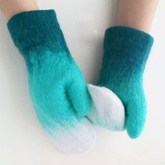 Handmade needle felted felted cute cyan gloves gradient winter sonw