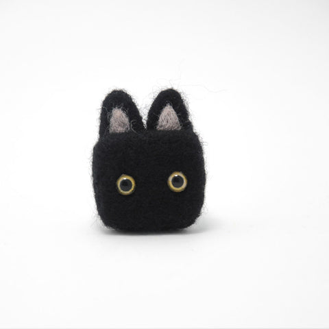 Needle felted project animals black cute cat brooch felt felting craft