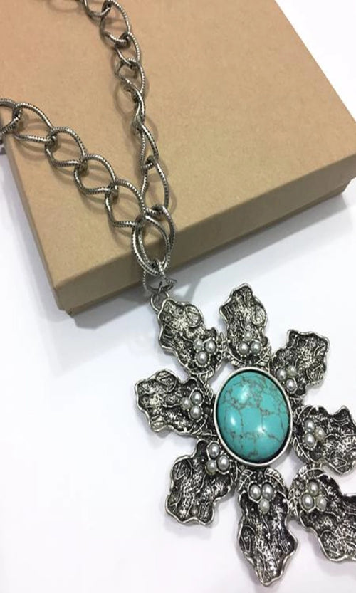 STONE FLOWER NECKLACE SET - Spoiled Me Rotten Boutique