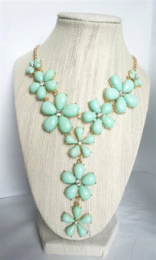 FLOWER MINT GOLD NECKLACE - Spoiled Me Rotten Boutique