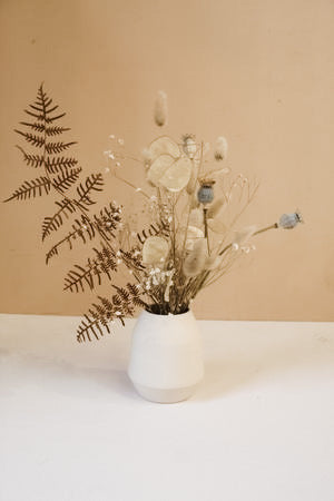 Dried flora in ceramics