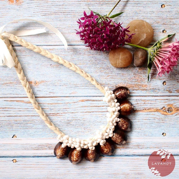 Brown Cowry Seashell Hawaiian Necklace - Brown - Necklaces