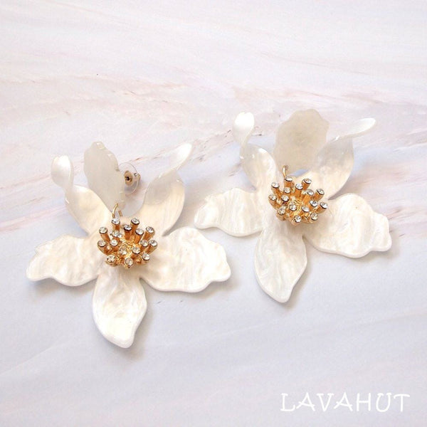 Lily Drop Cream Earrings - Cream - Earrings