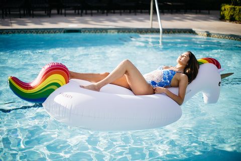 Kololo Giant Unicorn floaty girl relaxing lounging