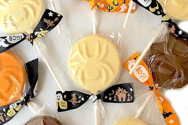 Spooky spider fun with our novelty Halloween lollies!