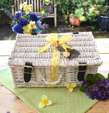 wedding gift guide luxury chocolate hampers