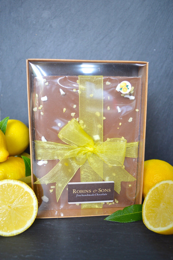 Luxury Belgian milk chocolate with natural lemon oil, lemon crystals and meringue