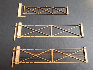 Level Crossing Gates - in 7mm