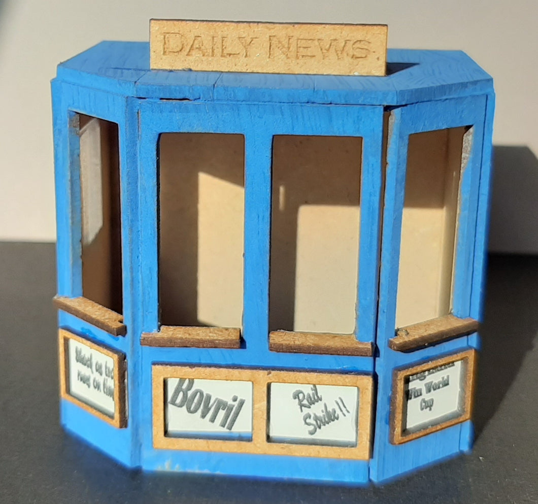 Newspaper Stand in 7mm