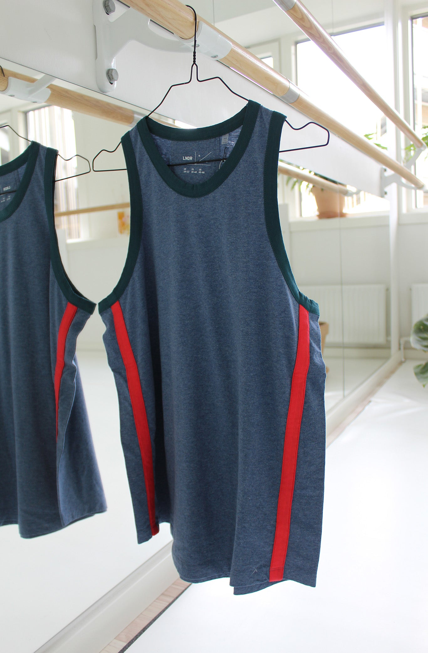 STRIPE TANK 1 - LNDR - BLUE