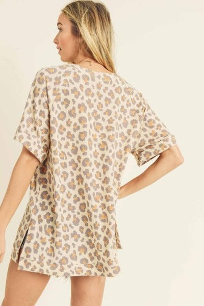 Side Slit Roll Sleeve Leopard Top