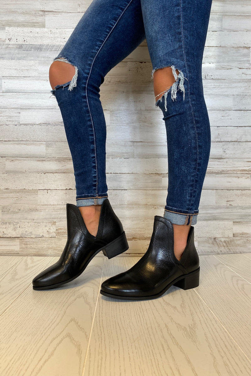 Pronto Black Leather Booties