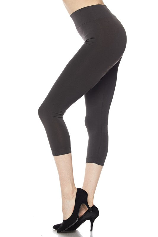 Solid Capri Leggings - Free Souls Boutique