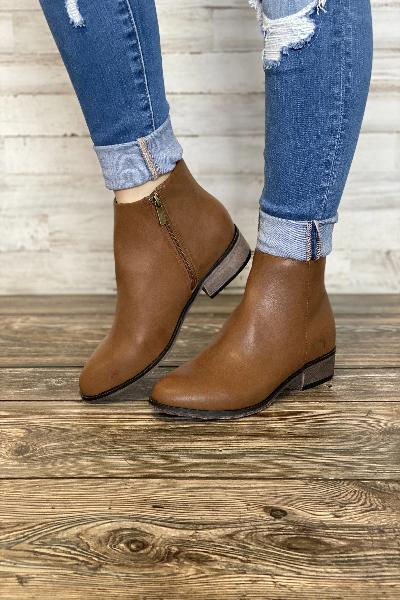 Saber-05 Short Heeled Booties - Free Souls Boutique