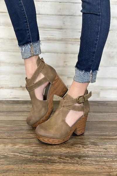 Ponce Ankle Strap Shoes - Free Souls Boutique