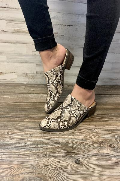 Safira Slip-On Loafer - Free Souls Boutique