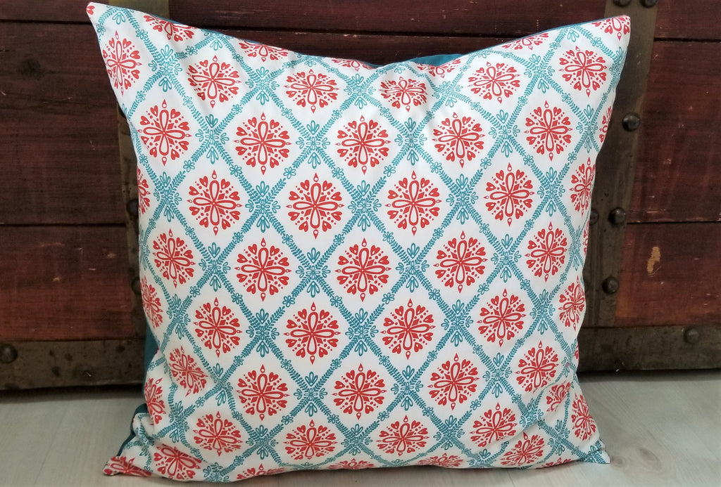 "Organic Throw Pillow Cover - Hearts and Flowers - 18"" x 18"""