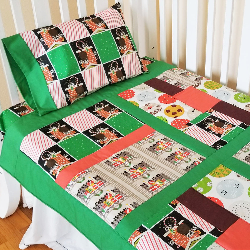 Christmas Baby and Toddler Bedding Set in Organic Cotton