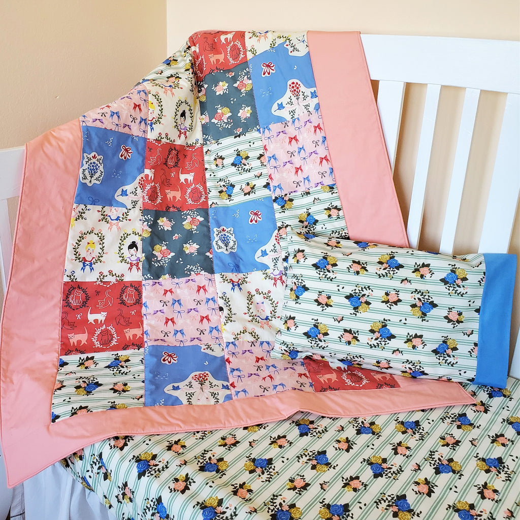 Crib & Toddler Sheet with Bows