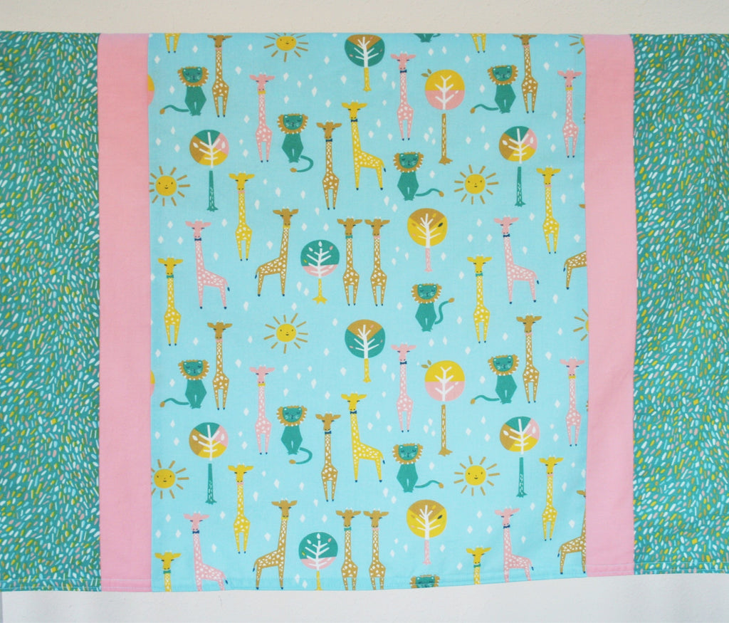 Giraffes & Lions Organic Cotton Baby & Toddler Blanket