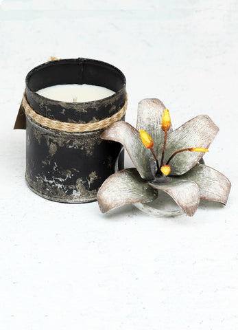 """Spice Tin with Lily Lid Silver (Small)"""