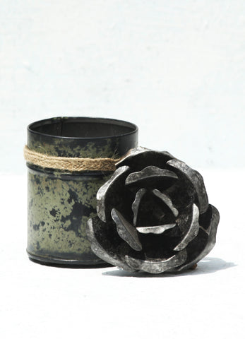 """Spice Tin With Rose Lid Silver (Small)"
