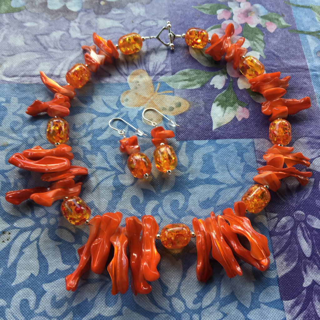 Pumpkin Patch Orange Resin and Mother of Pearl Necklace N101 *
