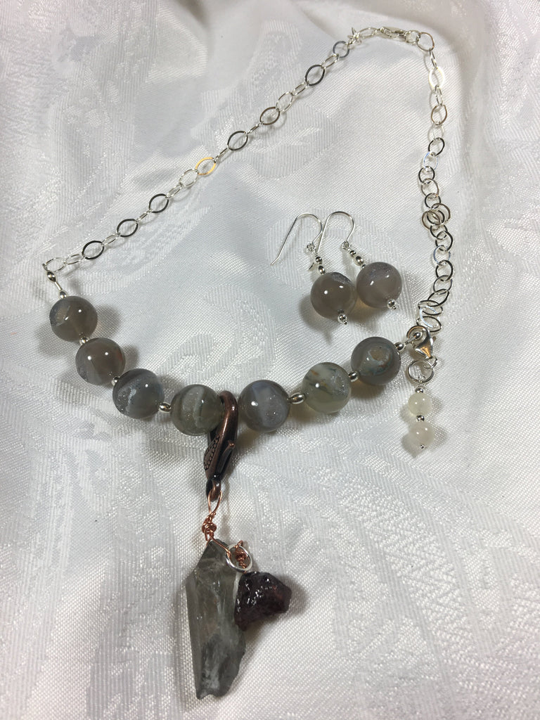 Druzy Agate Necklace ( with 2 removable charrms) N134 New for Fall