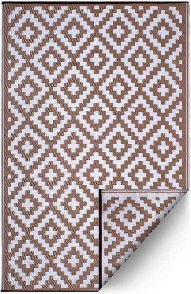 7101 Taupe 100% Recycled Outdoor Area Rugs