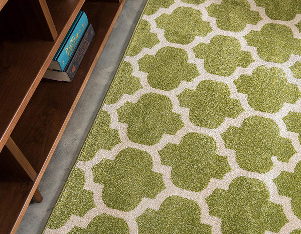 9950 Light Green Trellis Area Rugs