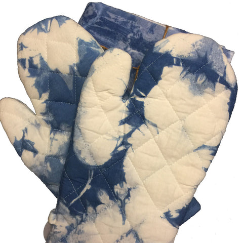 Brendan Blue and White Dyed Chef's Mitt